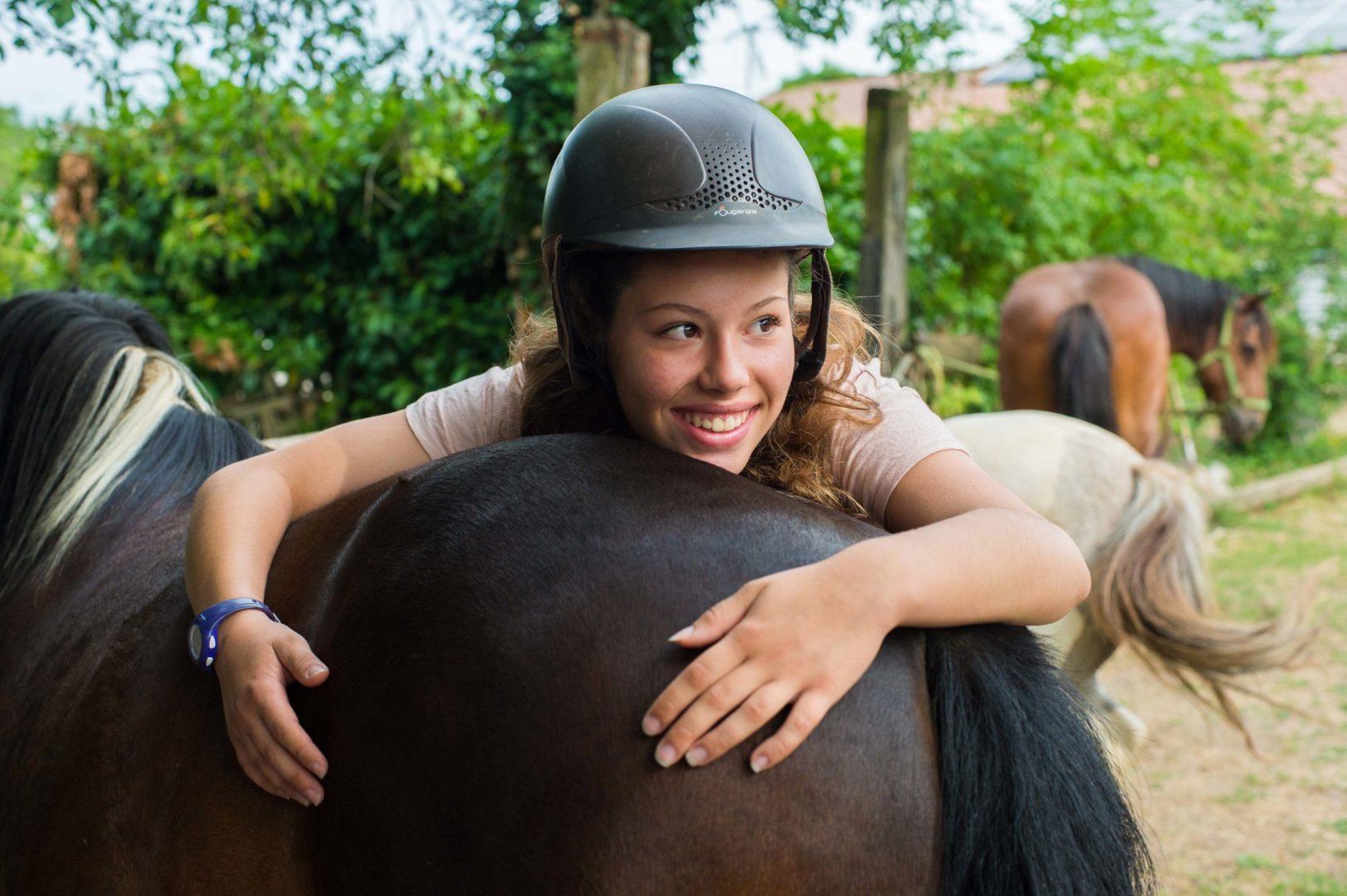 poney ; cheval ; centre de vacances ; ferme pédagogique ; été ; colonie de vacances ;