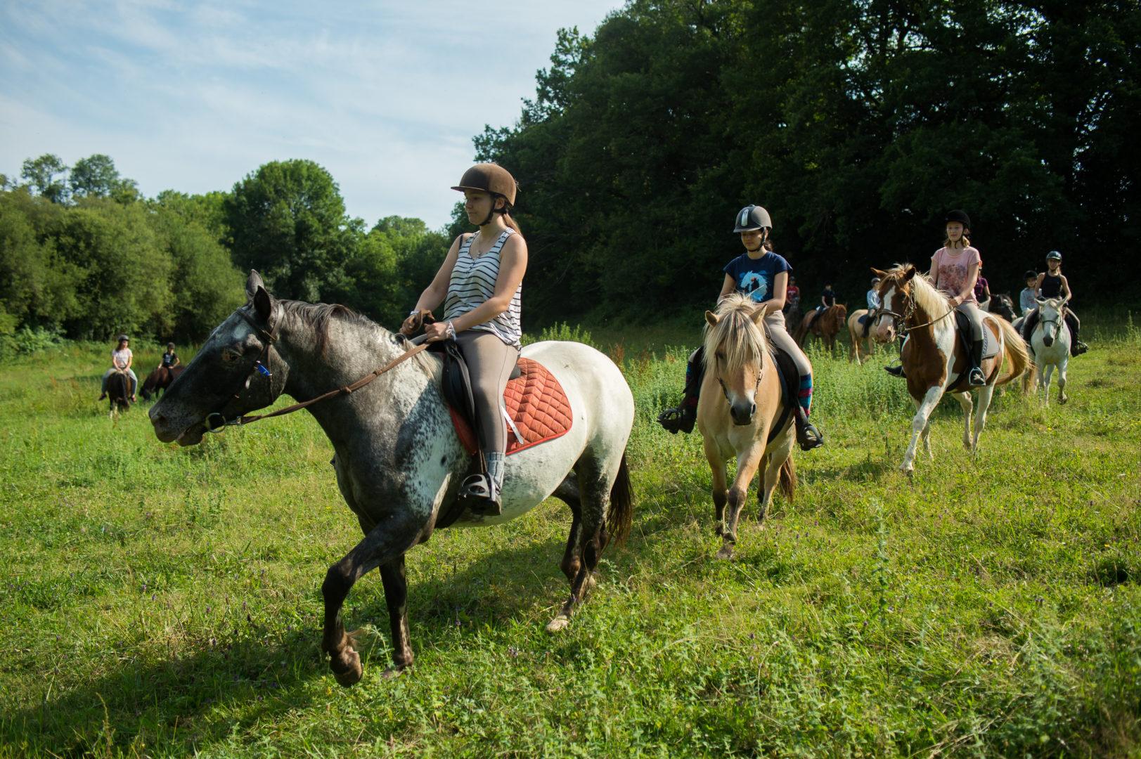 balade cheval ; centre de vacances ; colonie de vacances ; séjour ados; séjour enfant; été